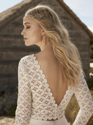 trouwjurk-Rembo-styling-2018-Amanda-1-C-close-up-back-HR